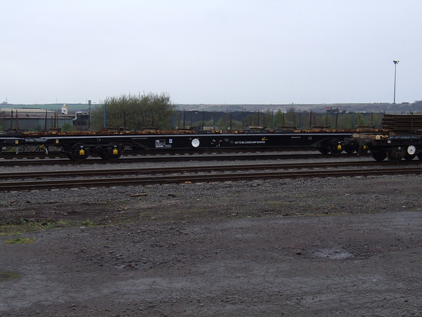 YEA-A 'Perch' - Continuous Welded Rail Wagon - gingespotting