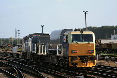 YXA DR98916 + DR98966 @ Eastleigh