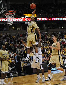 Teague dunk 05