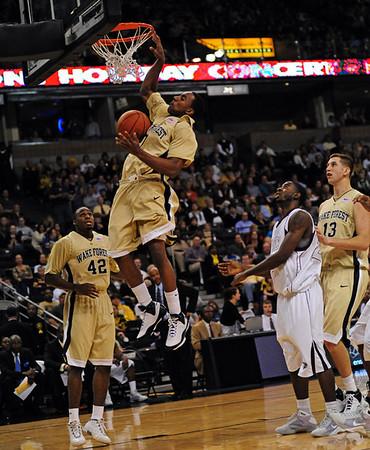 Teague dunk 06