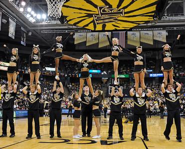 Deacon cheerleaders 02
