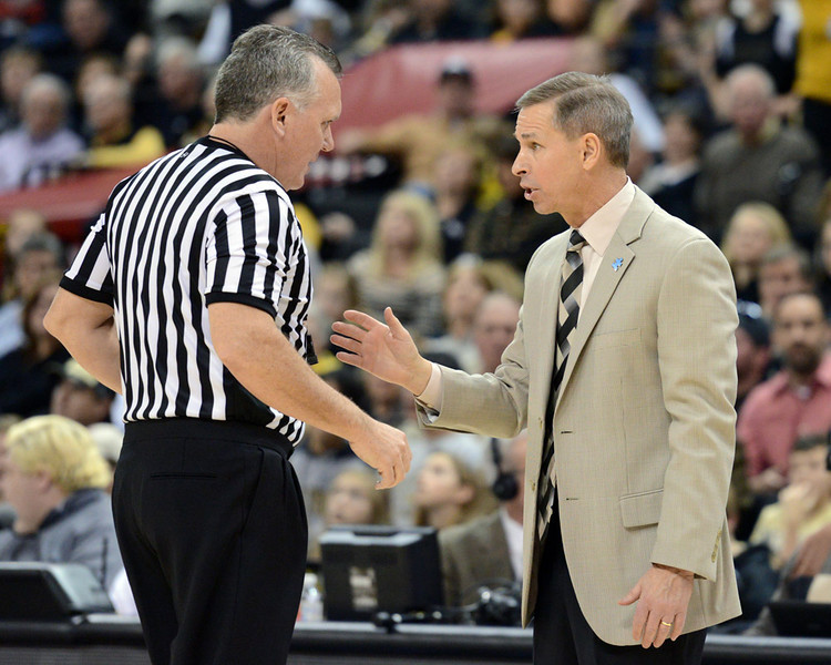 Coah Bzdelik discussion with ref