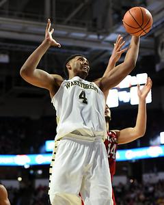 Doral Moore rebound