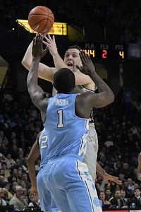 Austin Arians one hander at foul line