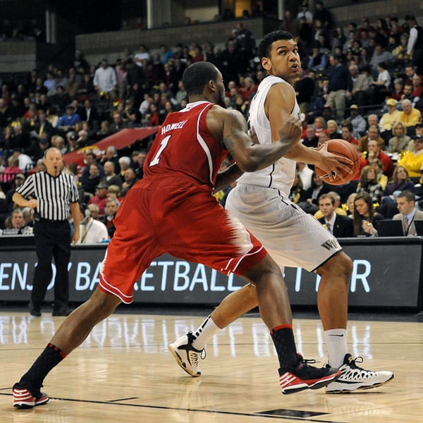 Devin Thomas posts up Howell