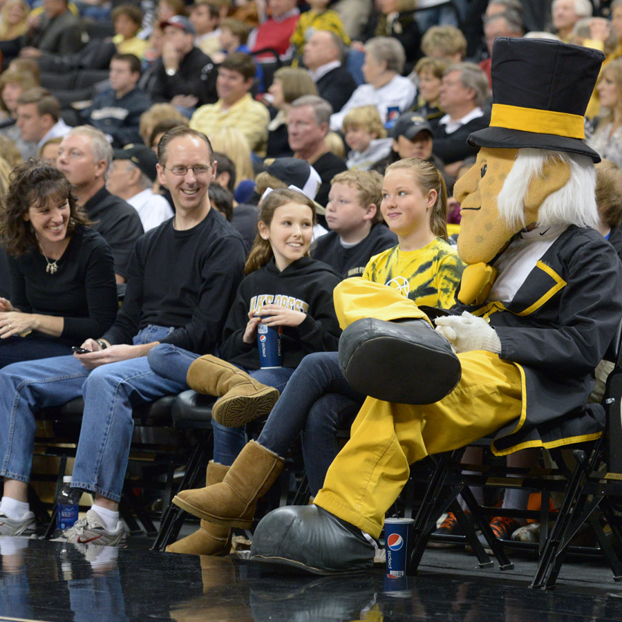 Deacon sits courtside