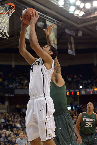 Devin Thomas layup after rebound