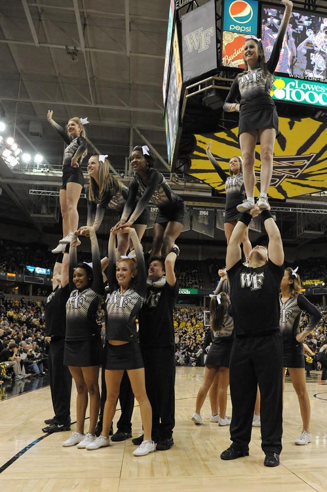 Deacon cheerleaders