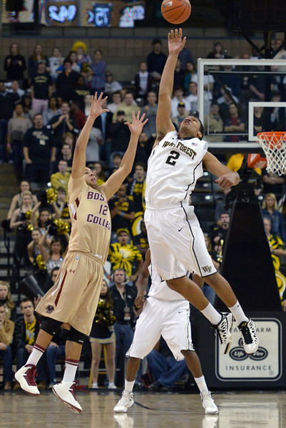 Devin Thomas blocks pass in final seconds