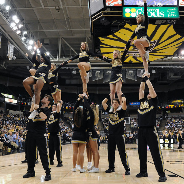 Deacon cheerleader pyramid