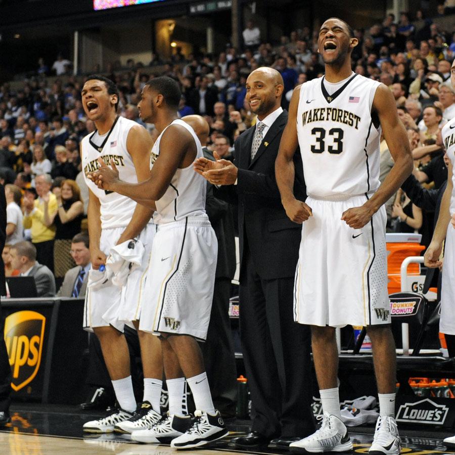 Deacon bench reacts 02