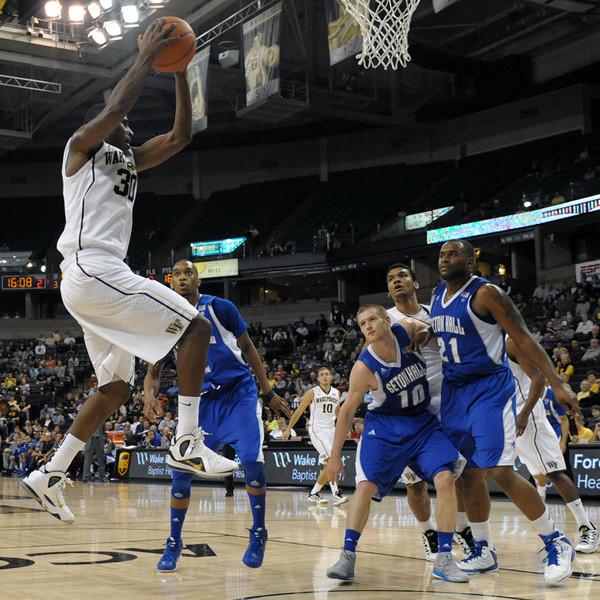 Travis McKie rebound