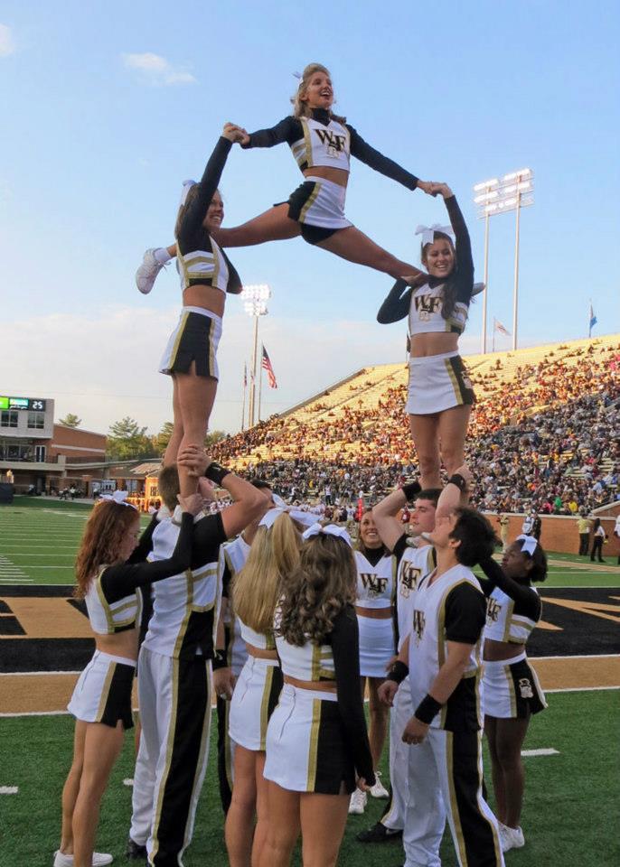 Cheerleaders 03