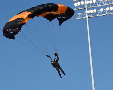 Golden Knights Army parachute team 03