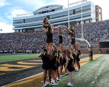 Deacon cheerleader pyramid 02