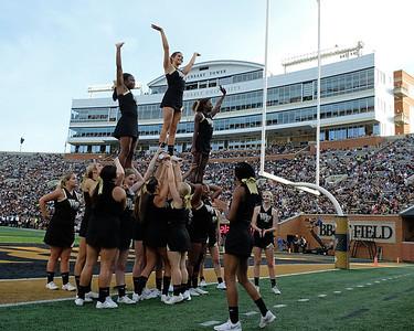 Deacon cheerleaders 04