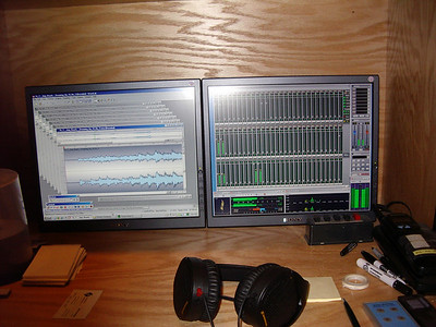 Internet digital downloads od lossless zipped audio files from Chandos site