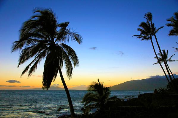 18 Jul 2014, Kihei, Maui, Hawaii, USA --- Hawaii, Maui, Kihei, Kamaole Beach, sunset, --- Image by © Tibor Bognar/Corbis