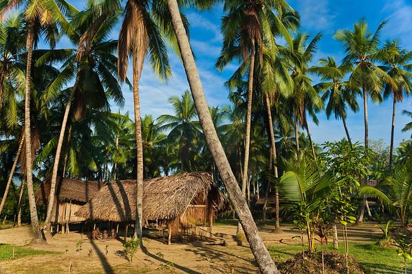05 Aug 2010, Papua New Guinea --- Papua New Guinea, East Sepik province, Sepik River Region, Ameki village, traditional house --- Image by © Marc Dozier/Corbis