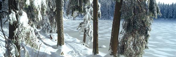 23 Jan 2009 --- Germany, Baden-Wurttemberg, Schwarzwald, Lake Mummelsee, Powder snow --- Image by © Holger Spiering/Westend61/Corbis