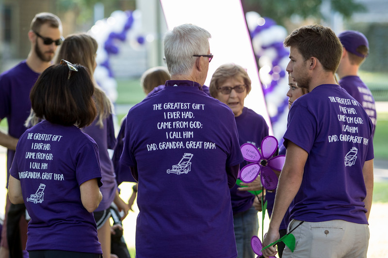 Members of the Manhattan Commuity gather at the Walk to End Alzheimer's on Sept. 14, 2019. ( Sabrina Cline | Collegian Media Group )