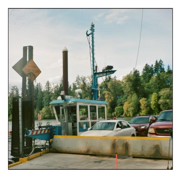 Th Canby Ferry - Lubitel 166 - Porta 400 - 200922