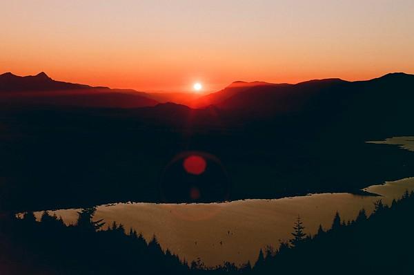Windy Ridge Sunset, Mt St Helens 2021/08/29 | Pentax K1000 | Silberra 160