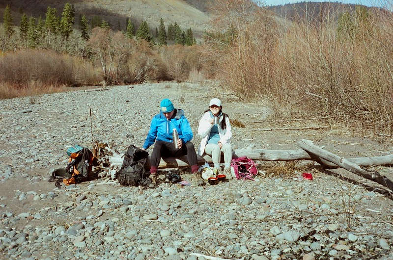 Lunch on a log on the banks of the Klickitat