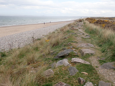 Coastal path into Findhorn