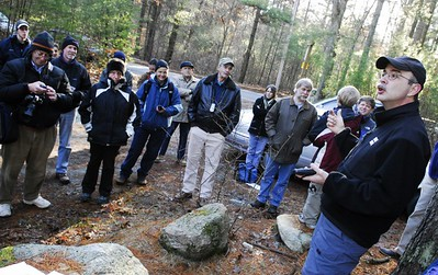 Guest leader Dave Sarna addresses group (photo by David Oliveira)