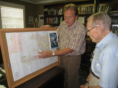 2010 08-03 David Snell explains to Bob about Fuller Center work in Haiti.  lf