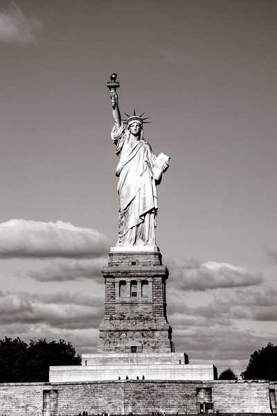 wiew of the Statue of Liberty, New York, Black and white