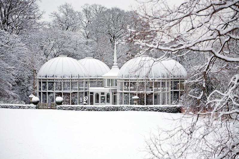Birmingham Botanical Gardens Lawn Aviary in snow