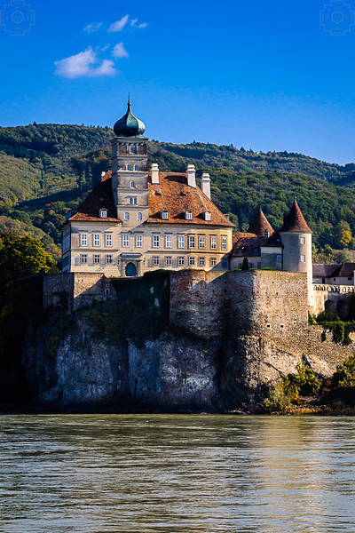 Austria - Danube - Shoenbuehel Castle.jpg