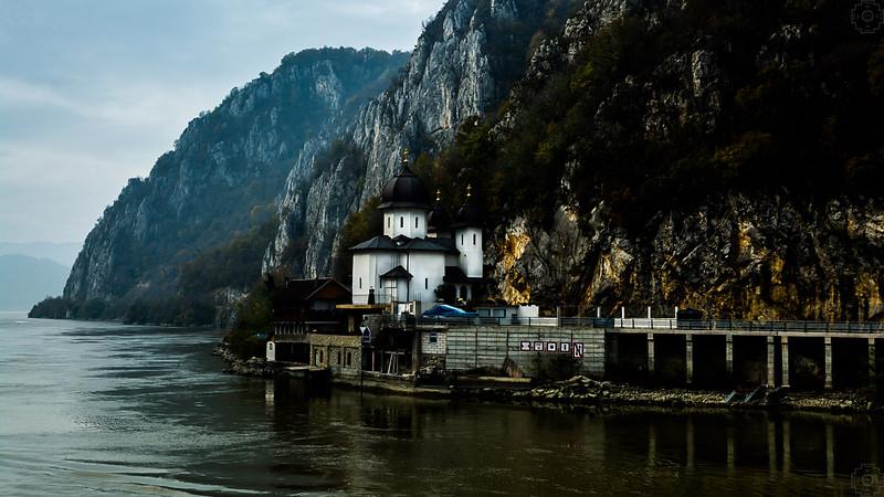 Romania - Iron Gate - Mraconia Monastery.jpg
