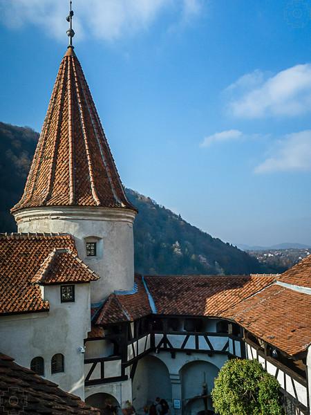 Romania - Brasov -Bran Castle 2.jpg
