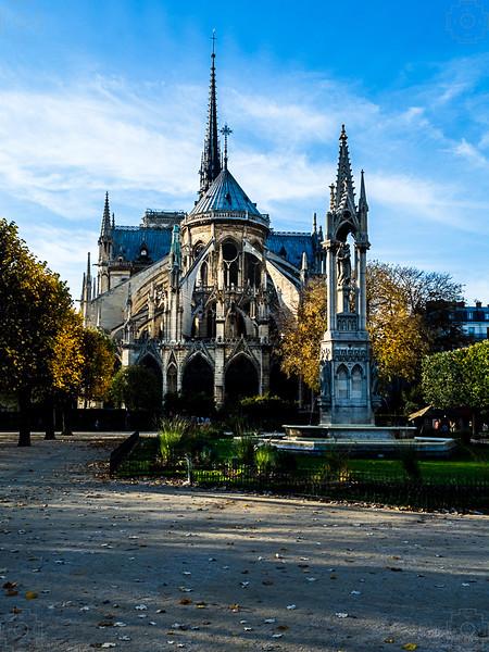 France - Paris - Notre Dame.jpg