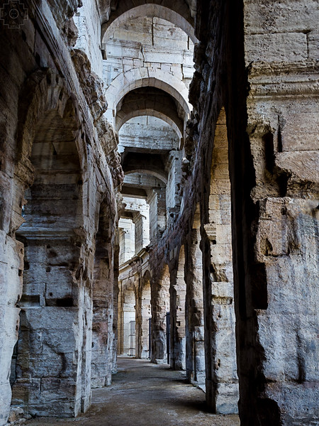 France - Arles - Amphitheater Passage.jpg