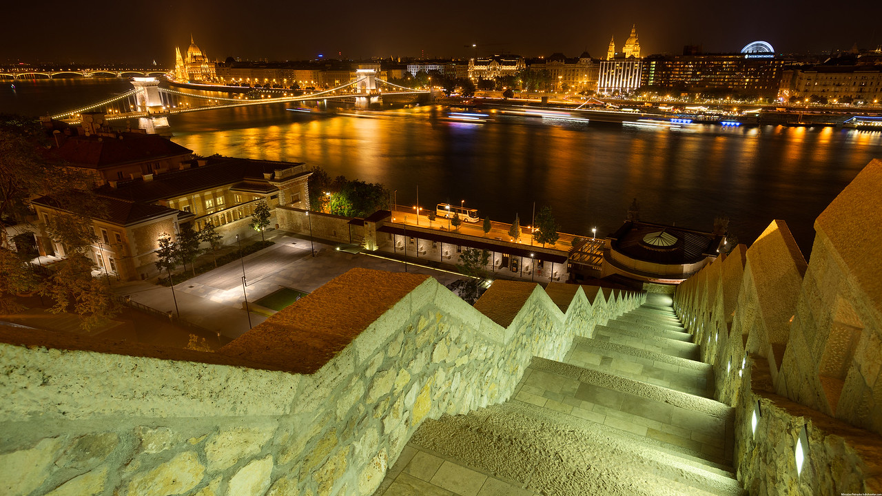 Budapest night wallpapers in 4K