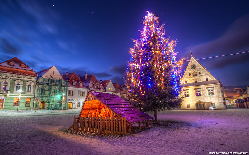 Christmas tree in Bardejov 1920x1200