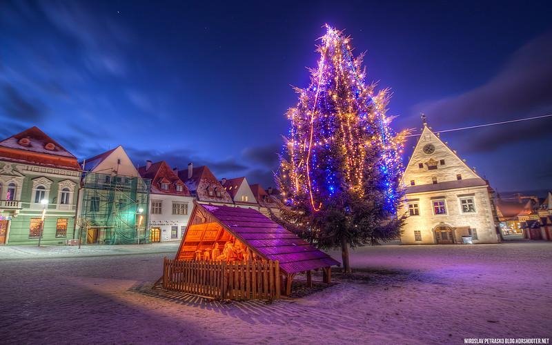 Christmas tree in Bardejov 1920x1200