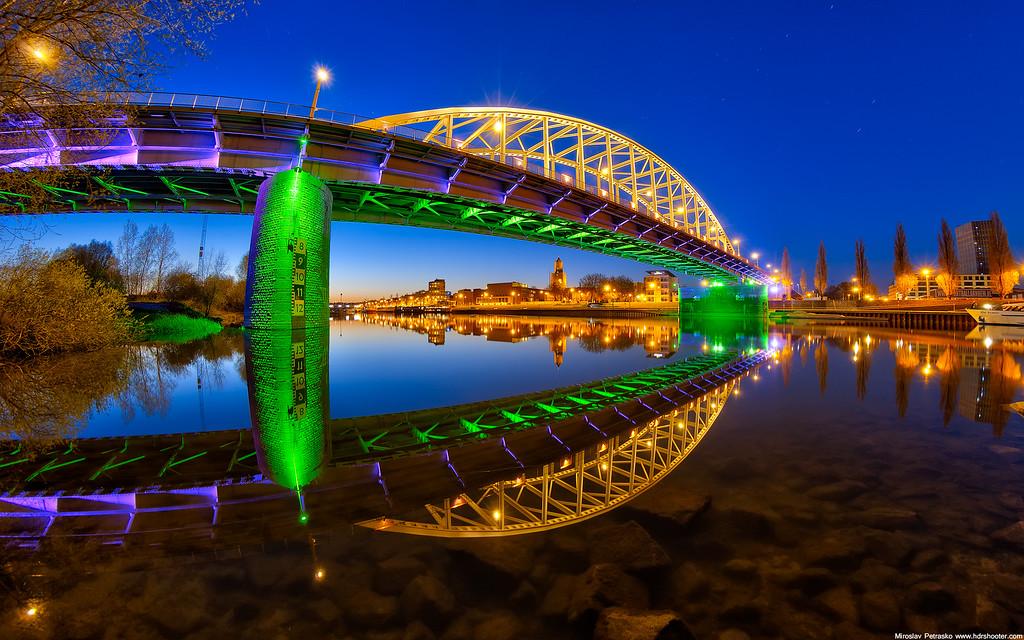Colors of the John Frost bridge 1920x1200