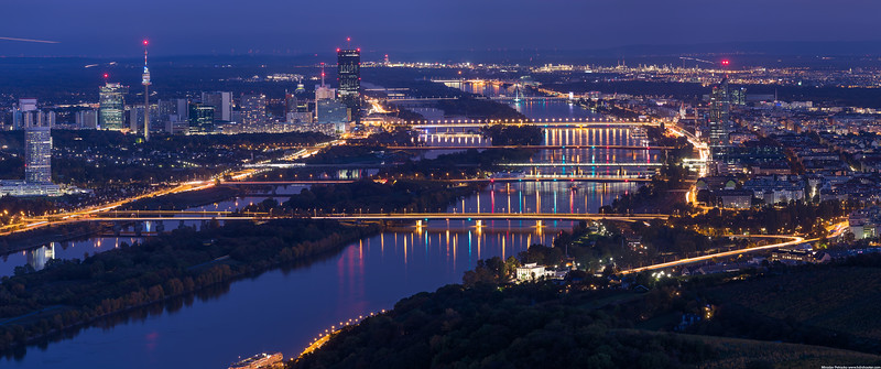 Night view of Vienna wallpaper
