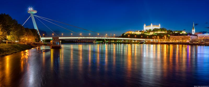 Across the Danube wallpaper