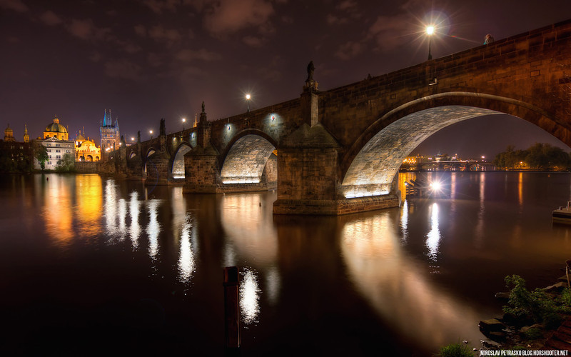 Karls Bridge at Midnight 1920x1200