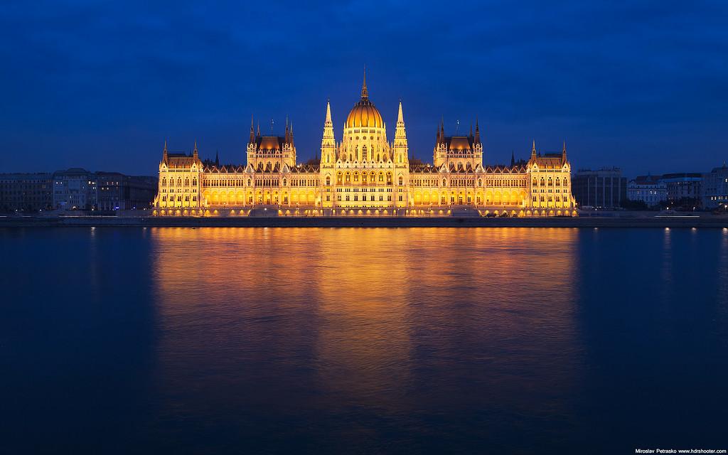 Budapest Parliament 1920x1200