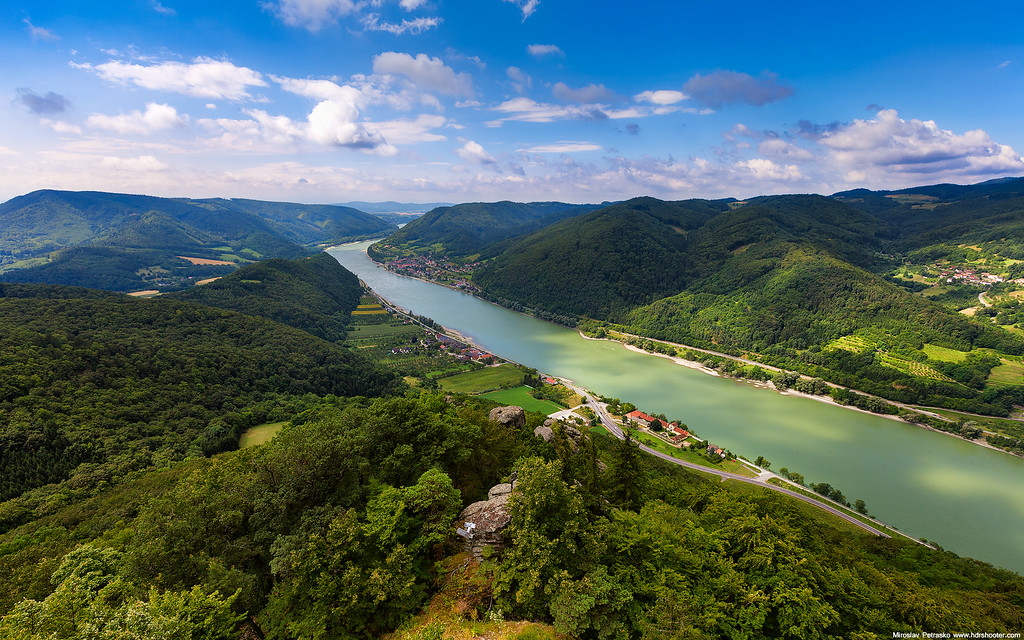 View from the Aggstein castle ruins 1920x1200