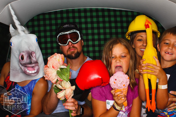 This was our second year in a row at the Walsh Construction Family Picnic and what a fun group!   If you would like the PhotoSwagon at your next event, learn more at www.photoswagonpdx.com