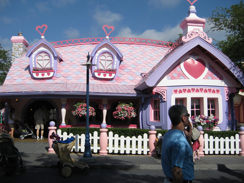 Minnie's Country House.