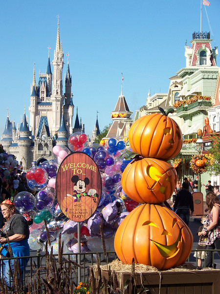 Magic Kingdom - Mickey's Not-So-Scary Halloween Party